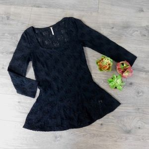 FREE PEOPLE ~ Medium BLACK Daisy Godet Lace Top